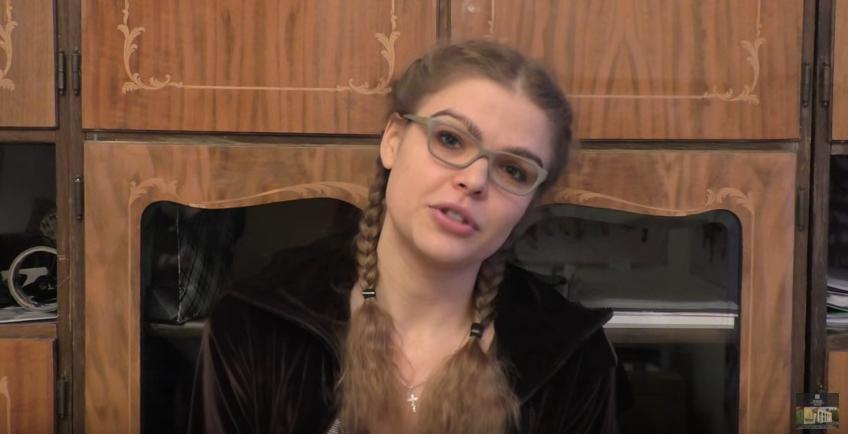 Артистка Марина Соколова приглашает в Новый театр (видео)