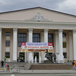 Красноярские театры представили свои спектакли московской публике