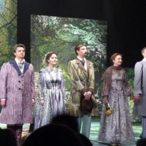 Зрители стоя аплодировали артистам — 3-й спектакль «Месяц в деревне» в Новом театре