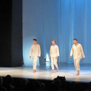 В Новом театре артист Иван Ефремов впервые в одной из главных ролей в спектакле «Пел соловей, сирень цвела…»