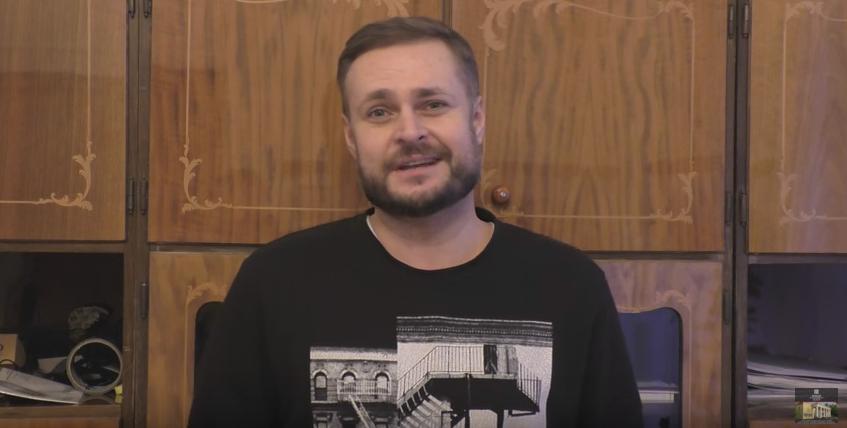 Артист Нового театра Роман Бреев приглашает на спектакль «12 разгневанных мужчин»