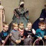 Малыши школы № 1374 побывали за кулисами Московского Нового драматического театра